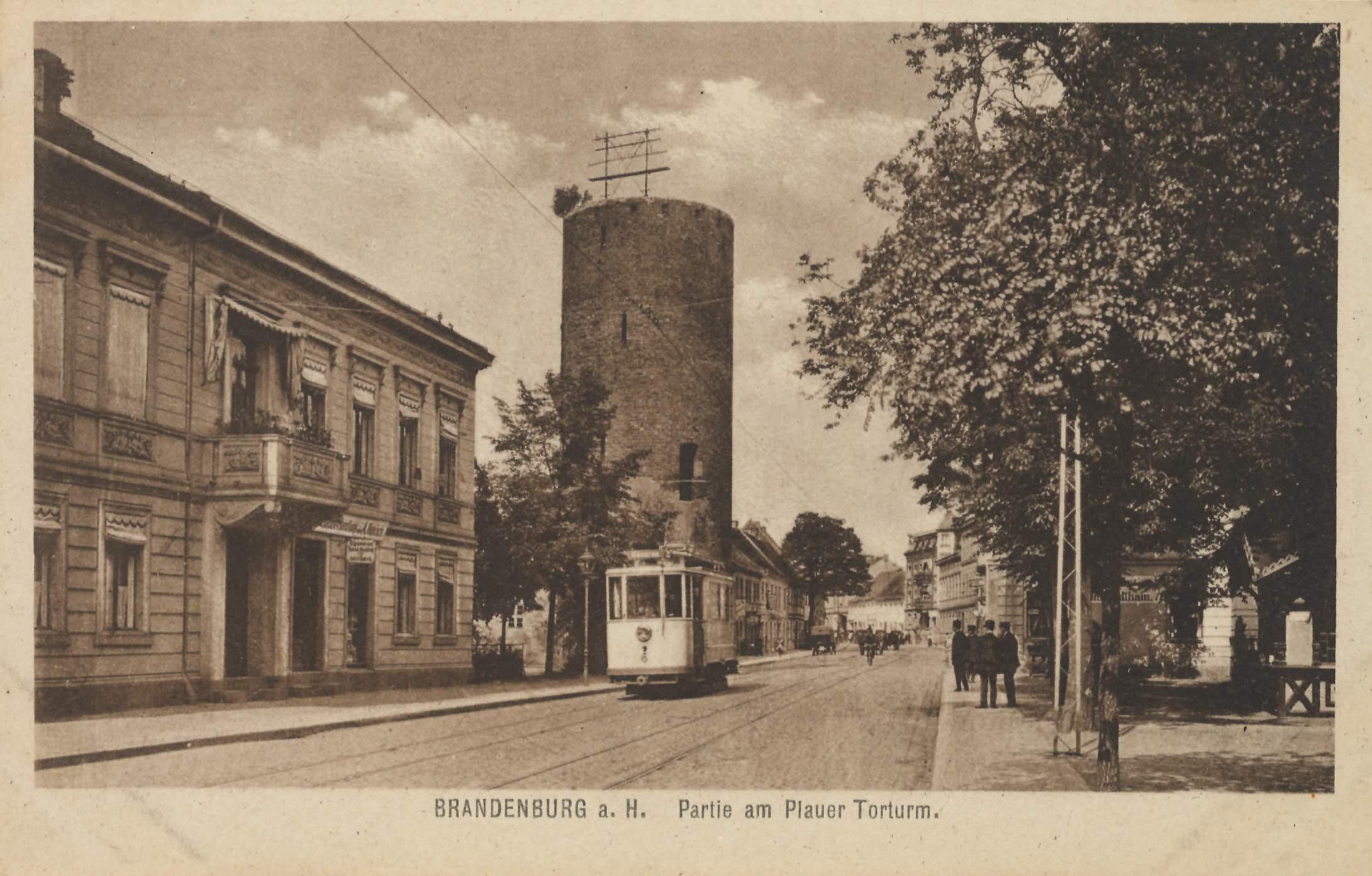 File:Packhofufer, Brandenburg-Havel.jpg - Wikimedia Commons