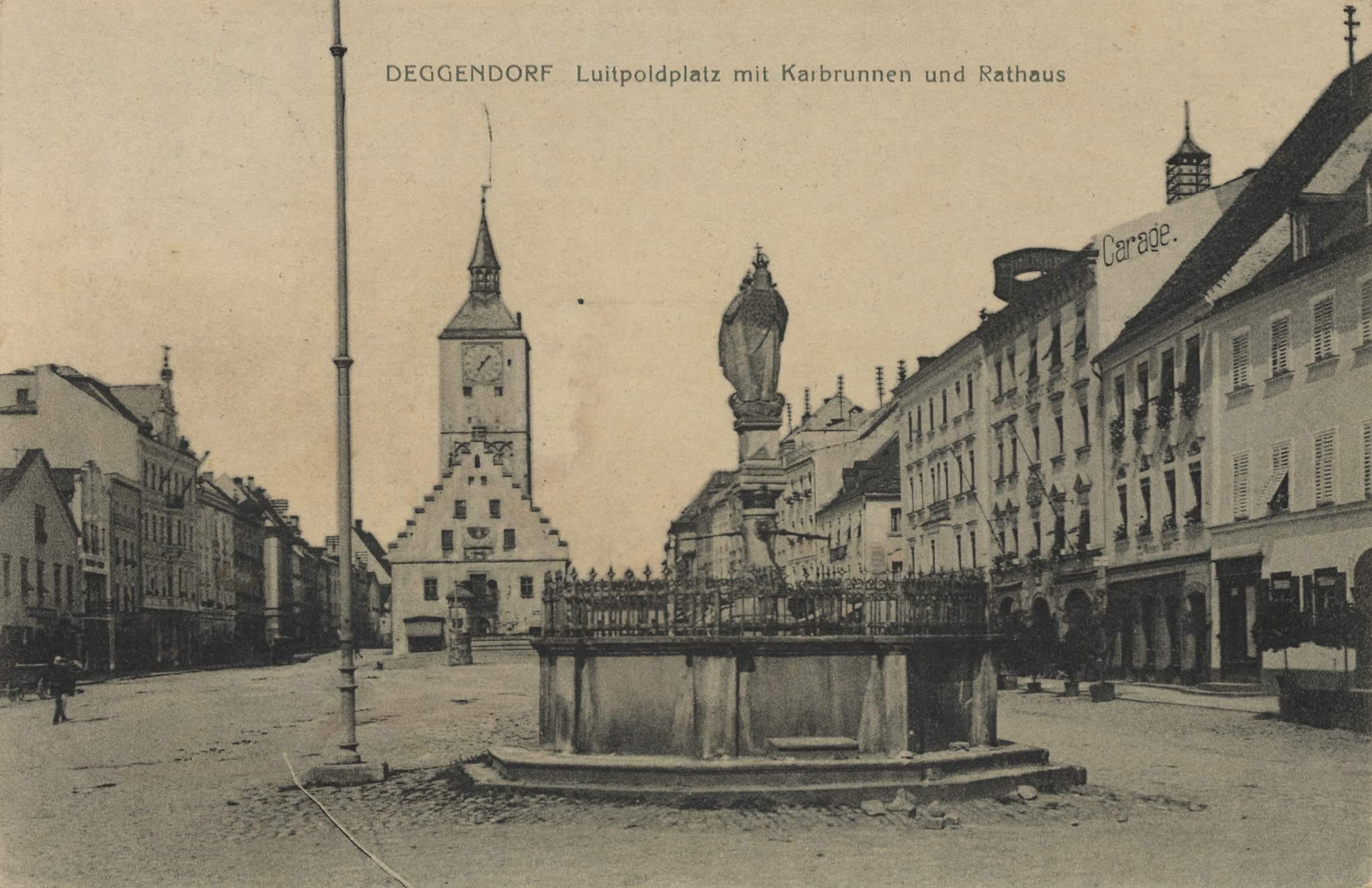 deggendorf bayern luitpoldplatz mit karbrunnen und. Black Bedroom Furniture Sets. Home Design Ideas
