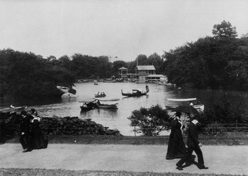 Johnston, John S.: Altes Bootshaus im Central Park