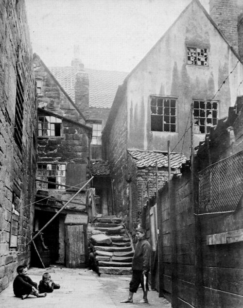 Frith, Francis: Whitby, Argument Yard